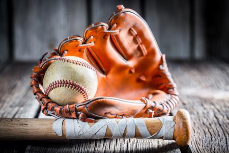 Gamla Kit för att spela baseboll