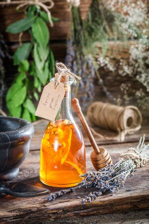 tincture: Aromatic tincture as an alternative cure