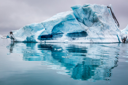 iceberg: Stunning icebergs in Iceland