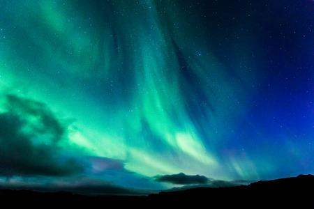 밤 아이슬란드의 오로라