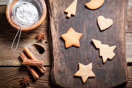sugar: Decorating cookies for Christmas