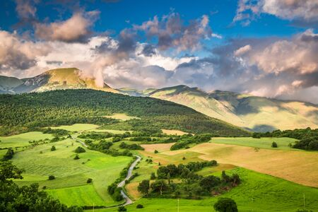 umbria: Breathtaking mountain view in Umbria, Italy