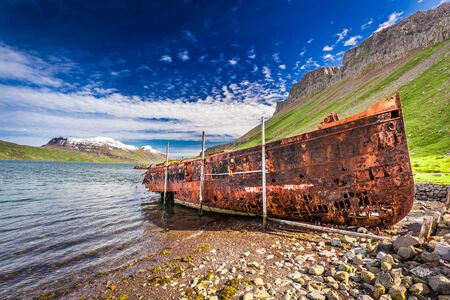 ship wreck: Old ship wreck in Iceland