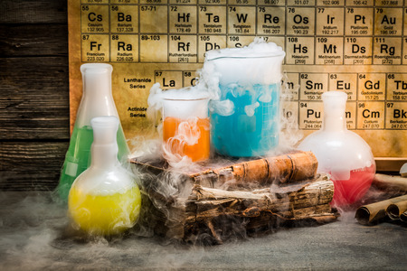 chemical reaction: Dynamic chemical reaction during a chemistry lesson Stock Photo