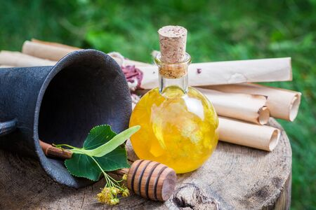 witchdoctor: Healthy and homemade liqueur with honey, linden and alcohol