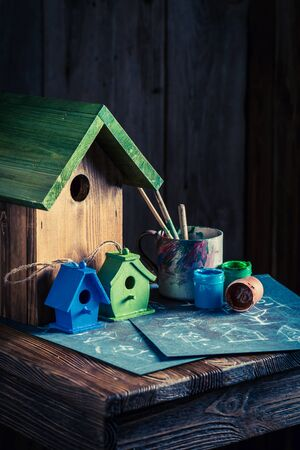 Vintage small bird house and plan to build it