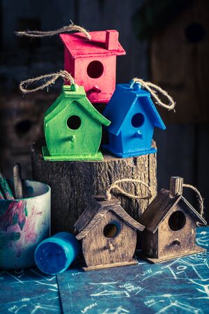 Homemade small bird house and construction scheme