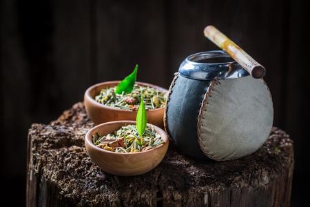 Leckerer Yerba-Kumpel mit Bombilla und Kalebasse Standard-Bild