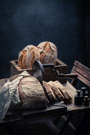 小麦粉とパン粉でパンの新鮮なパン