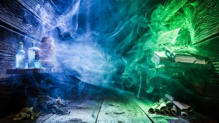 Magische plek met kleurenlicht en kopie ruimte voor Halloween Stockfoto
