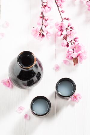 花が咲くとおいしいと強い酒 写真素材