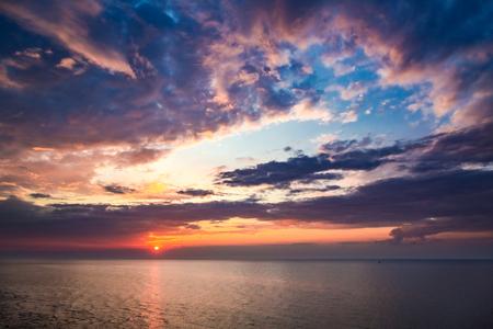 Beautiful dusk over calm ocean in summer 版權商用圖片