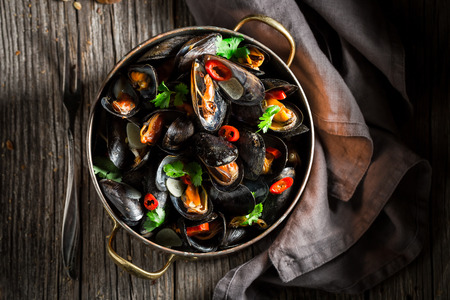 Tasty and fresh mussels served with wholemeal bread Stok Fotoğraf