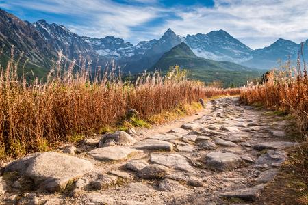 폴란드에서 석양 Tatra 산에서 멋진 계곡