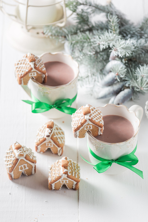 Homemade and cute gingerbread cottages for Christmas