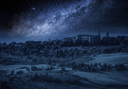 Pienza at night with milky way,Tucany, Italy 版權商用圖片