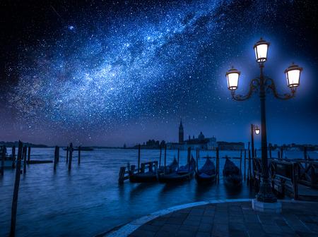 베니스, 이탈리아의 대운하를 통해 은하계