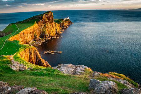 The Neist point lighthouse at dusk, Scotland, UK Archivio Fotografico