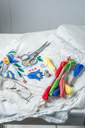 Closeup of embroidered napkins made of colored threads Stockfoto