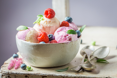 Closeup of sweet ice cream made of fruits and milk Banque d'images - 102817881