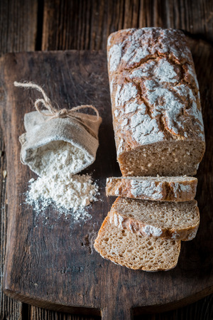Top view of loaf of bread with whole grains Stockfoto