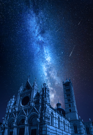 Siena Cathedral at night with falling stars, Tuscany, Italy 版權商用圖片