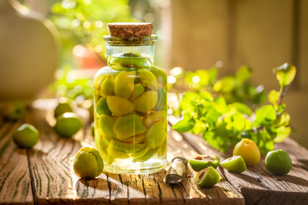Strong quince tincture made of fruits and alcohol