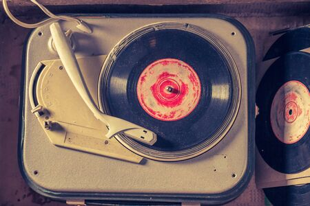 Top view of old gramophone with few black vinyl records Stok Fotoğraf
