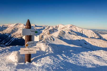 Signpost covered by snow on the top of Kasprowy Wierch, Poland Zdjęcie Seryjne
