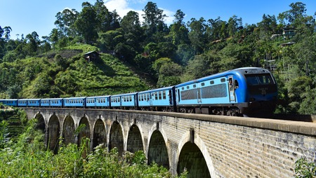 Kandy to ellla badulla srilankan train journey. Best train journey in the world.srilankan tourism.