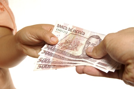 Exchange of Mexican pesos between two people