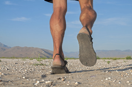 piernas hombre: Primer plano de las piernas del hombre