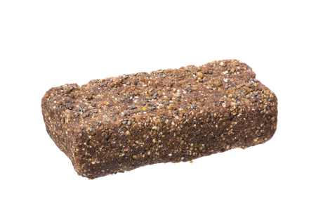 Close-up van multi-korrel voedingsstaaf die op witte achtergrond wordt geïsoleerd