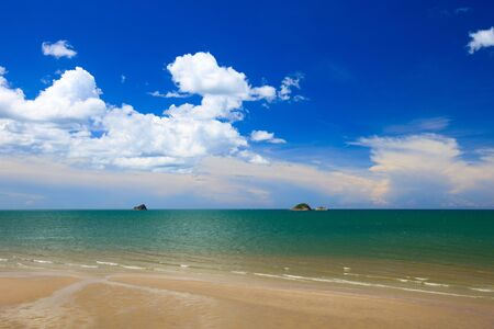 Tropical dream beach in Khao Tao near Hua Hin, Thailand Stock Photo - 5348672