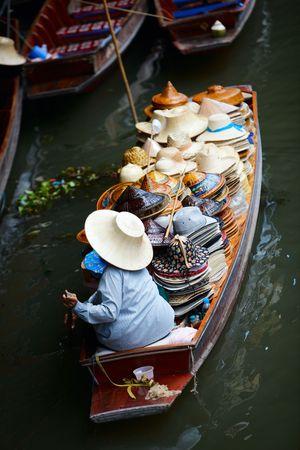 damnoen saduak: Damnoen Saduak Floating Market near Bangkok, Thailand Stock Photo