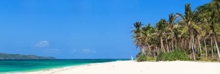 playas tropicales: Perfecta playa de arena blanca tropical en Boracay, Filipinas