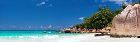 세이셸에서 Praslin 섬에 Anse 라치오 비치의 파노라마