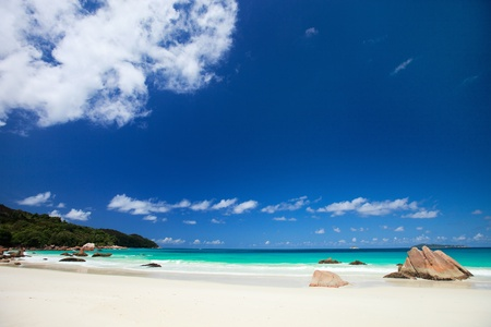 Landscape of stunning tropical beach at Seychelles Stock Photo - 8848653