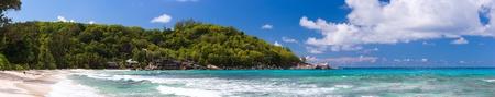 panorama beach: Panorama di perfetta spiaggia di sabbia bianca in Seychelles Archivio Fotografico