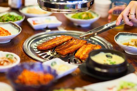 김치 한국 요리 바베큐 그릴 고기와 야채