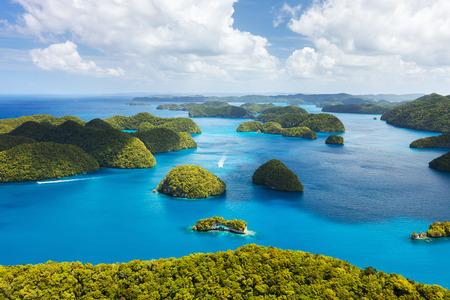 Vacker utsikt över Palau öarna från ovan