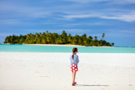 south beach: Adorable little girl at beach during summer vacation