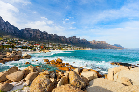 Landscape of beautiful Camps bay in Cape Town with Twelve Apostles mountain range in background Stockfoto