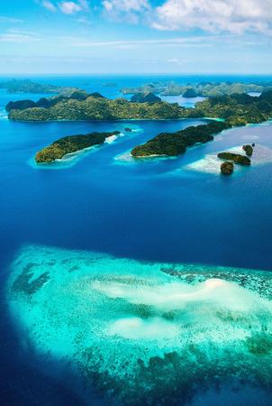 Hermosa vista de las islas de Palau desde arriba Foto de archivo