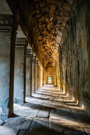 カンボジアのシェムリ アップでアンコール ワット寺院 写真素材