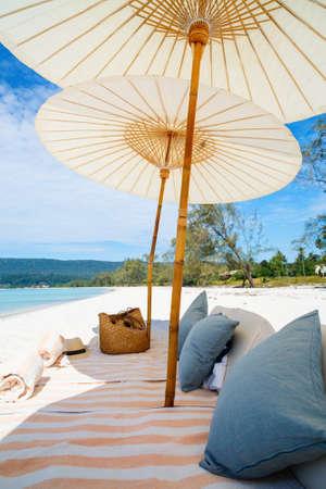 Luxury picnic on beautiful white sand exotic beach on Koh Rong island in Cambodia Zdjęcie Seryjne