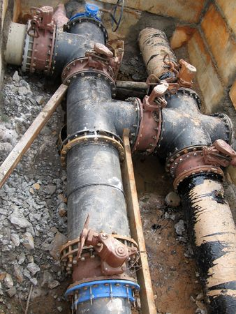 waterpipe: Pipes, latches, the gate during repair of a waterpipe