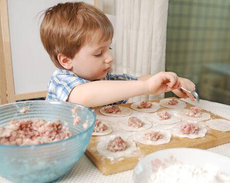little boy preparazione fagottini di carne russo