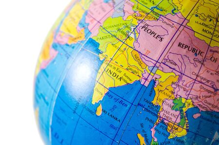Mapa del globo terráqueo India closeup ubicación destino de viaje aislado en blanco Foto de archivo