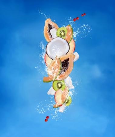 papaya: Tropical fruits